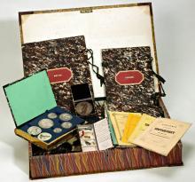 Penningen en publicaties bij de Laurens Janszoon Coster herdenking (1856) [Foto: Koninklijke Bibliotheek, Den Haag]